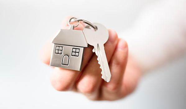 cover real estate keys house