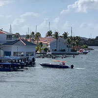 sint maarten square house boat